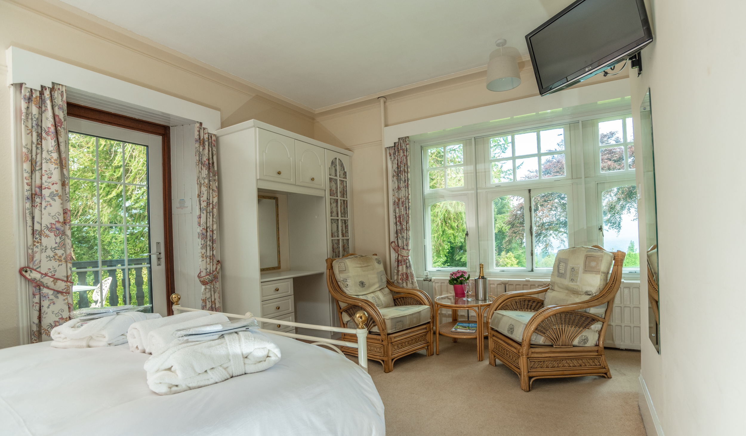 Room 2 - Superior king room with loch views and balcony