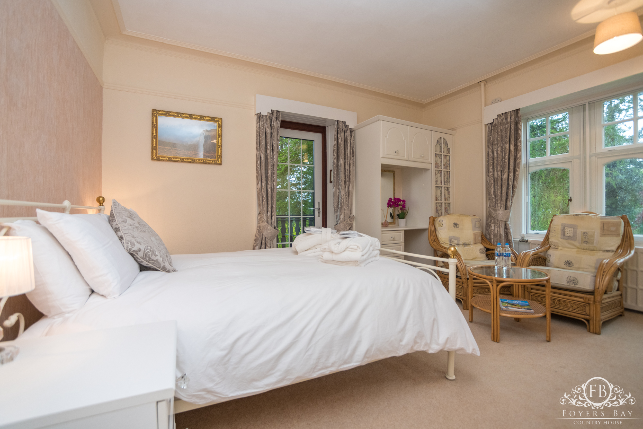 Room 2 - King Room with Balcony and Loch Views