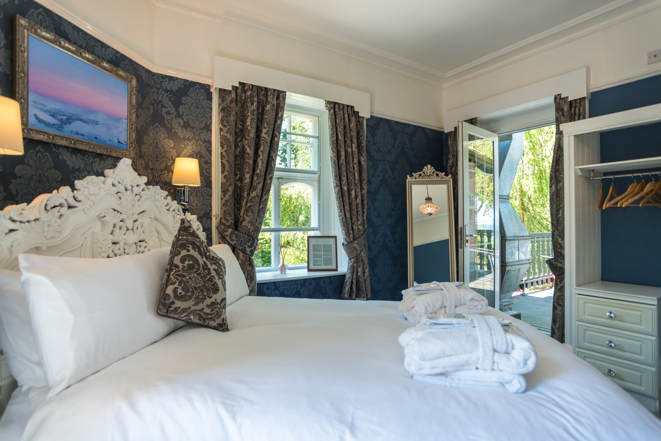 Room 1 - Double room with balcony and Loch Views